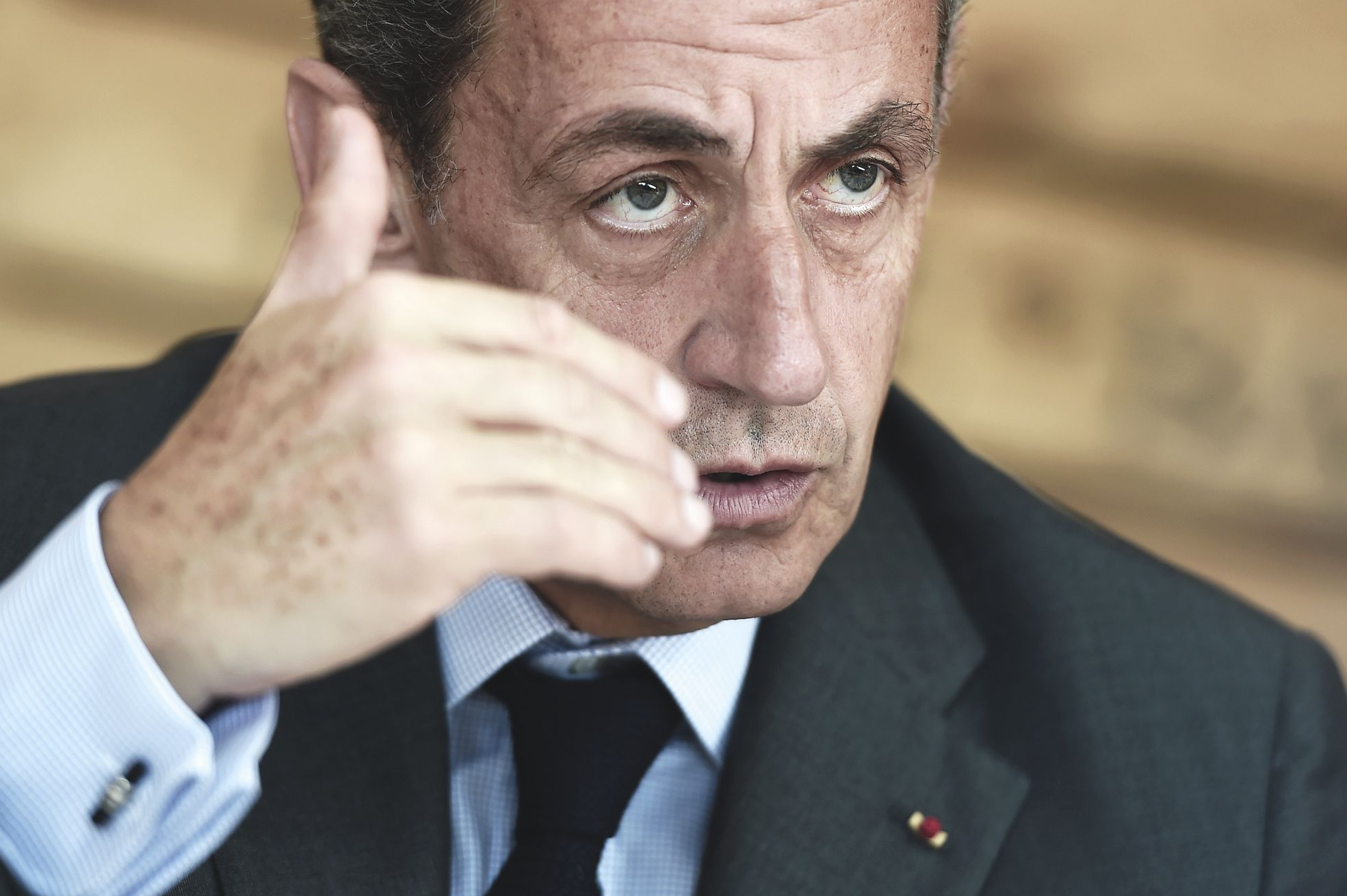 Dès vendredi, Nicolas Sarkozy avait jugé indispensable de maintenir l'état d'urgence.