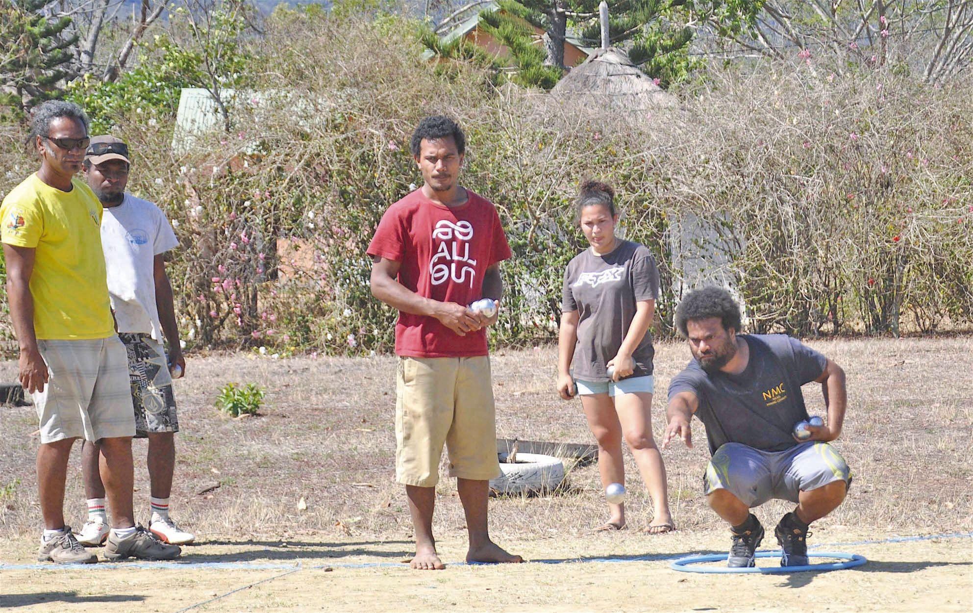 Le Tournoi convivial adulte est né de l'idée que les participants se fassent plaisir par la pratique d'activités sportives. L'équipe des Tilapias a remporté cette rencontre sur l'équipe des Avengers par 10 à 7.