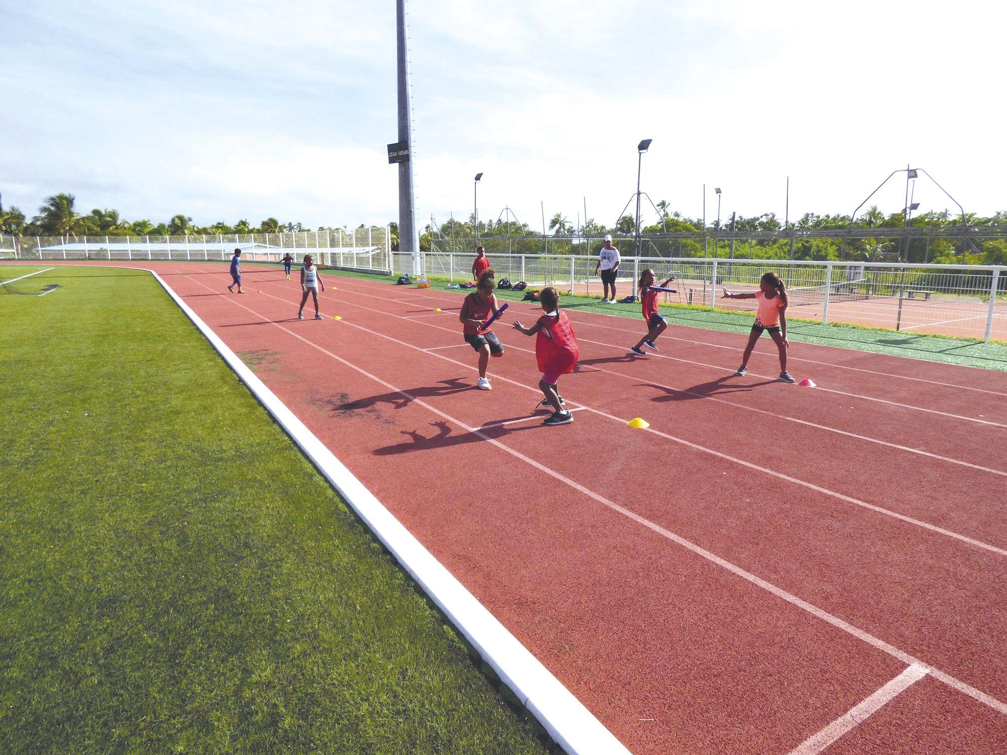 La journée territoriale du sport scolaire a été organisée partout ailleurs dans le pays mercredi à l'initiative de la direction de l\'enseignement de la Nouvelle-Calédonie. Elle a fait la part belle à l'athlétisme.