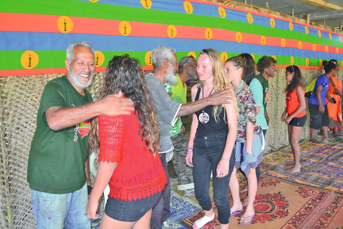 Des moments d'échange et de partage inoubliables. Que ce soit au collège Shéa-Tiaou, dans les chefferies de Mouli, de Hwadrilla, ou encore à la tribu de Gossanah (photo) les collégiens bouraillais et leurs accompagnateurs ont été chaleureusement accueilli