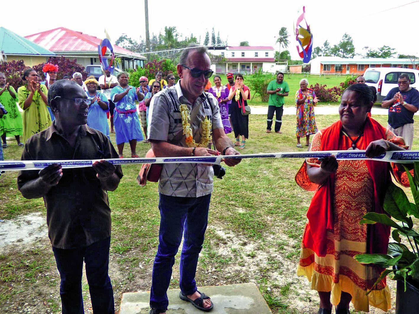 Le Centre d'accueil pejii a été inauguré, samedi, par deux membres du Secours catholique Caritas France.