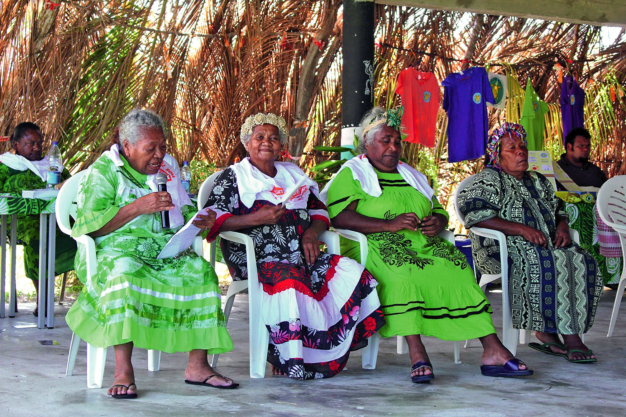 Plusieurs femmes ont été invitées par la province à venir,  devant le public, présenter leur parcours de vie.