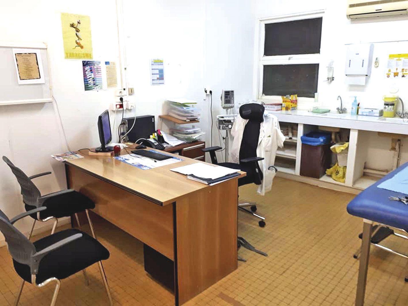 Le centre médical dans lequel exerçait Jean-Luc Archinard est fermé depuis jeudi. Photo DR