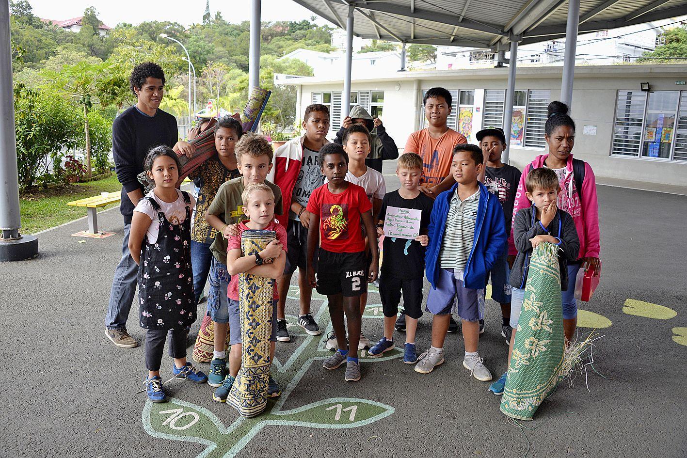 A l'école Guy-Champmoreau, le centre de l'Acaf reçoit près de 80 enfants qui font des activités autour du héros Tchoupi pour les petits et de l'astronomie pour les grands.