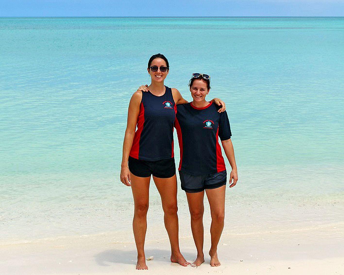 Pour Léa et pour Carole, pompiers à Nouméa, il y a encore du chemin à parcourir pour que les femmes soient considérées égales aux hommes au sein des casernes. Ouvéa, par exemple, ne compte qu\'une seule femme parmi les 18 pompiers. Elle est auxiliaire de