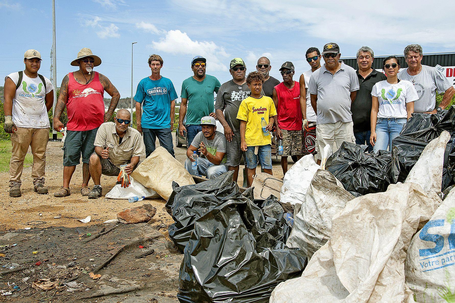 Le GDPL Kowe Bord de rive espère faire des émules pour nettoyer les cours d'eau du pays. Photo Cyril Terrien