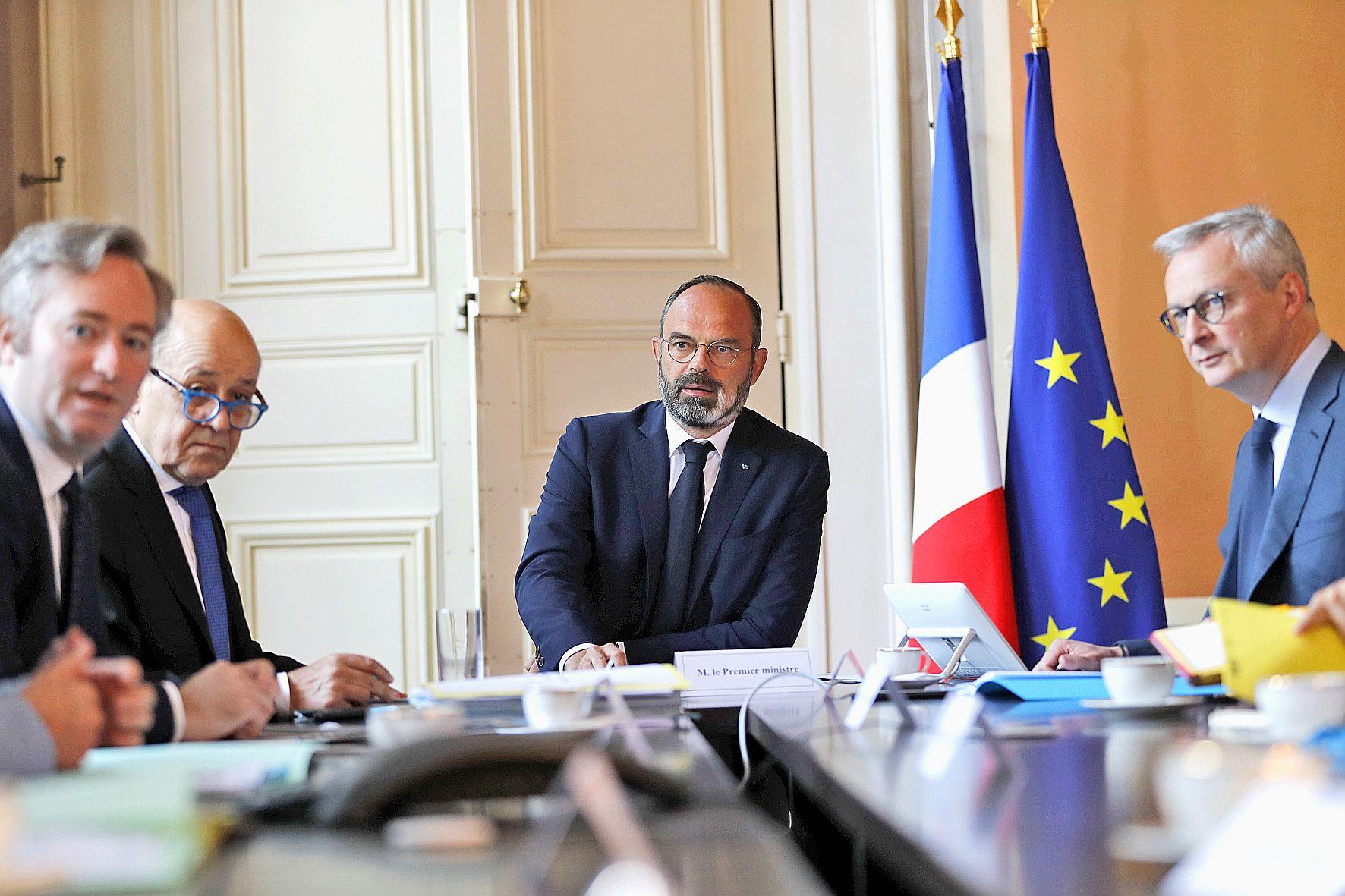 Le ministre de l'Economie, Bruno Le Maire (à droite), a commenté ce plan de relance qui viendrait en soutien de plusieurs secteurs.Photo AFP