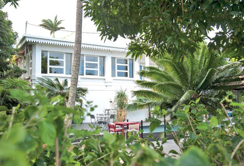 Réaménagée suivant ses volumes d'époque, la villa couvre 547 m2, comprend un jardin de 22,56 ares et une dépendance. Photo Cyril Terrien