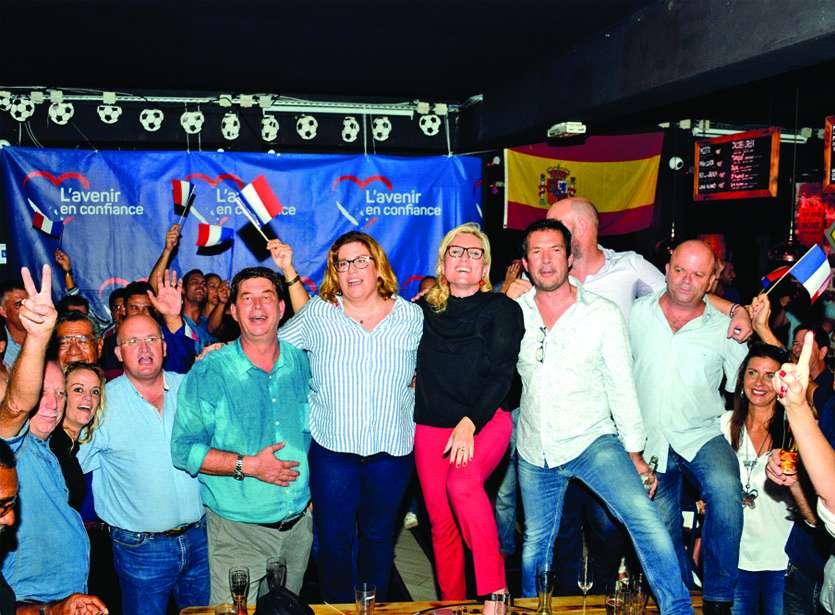 Les leaders de l'Avenir en confiance ont fêté la victoire une bonne partie de la nuit avec des centaines de sympathisants et de militants. Photos Thierry Perron