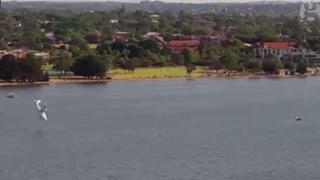 Australie: un avion s'écrase devant des milliers de spectateurs, 2 morts