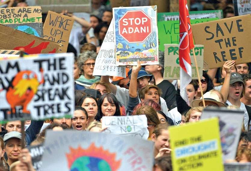 Le 15 mars, des étudiants manifestaient à Sydney pour dénoncer les progrès insuffisants réalisés pour lutter contre le changement climatique en Australie, et critiquaient le projet Carmichael du groupe indien Adani. Photo AFP