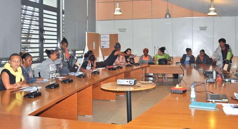 La réunion s'est déroulée dans la salle du conseil municipal de la mairie de Koumac. Photo I.C