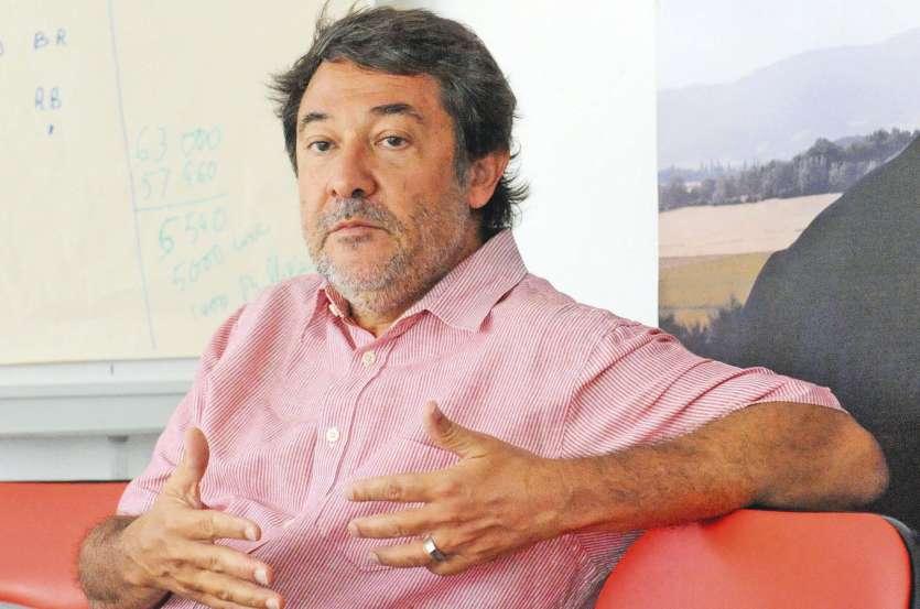 Anciennement secrétaire fédéral de la section locale du PS et nouveau  président des Progressistes, Michel Jorda se positionne contre l'indépendance.