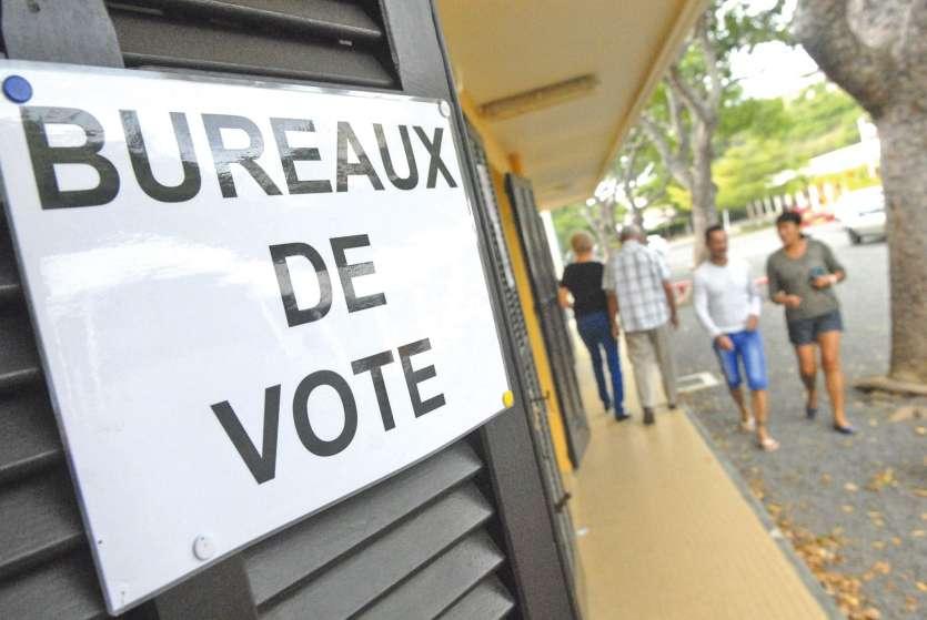 Il y a actuellement 189 998 personnes inscrites sur la liste générale, et 157 869 sur la liste référendaire. Ce nombre devrait progresser de plusieurs milliers d'électeurs.