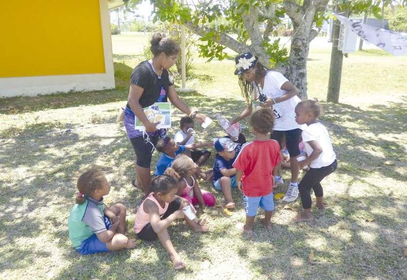 Les enfants des Îles ont la possibilité de trouver des activités près de chez eux pendant les vacances scolaires.