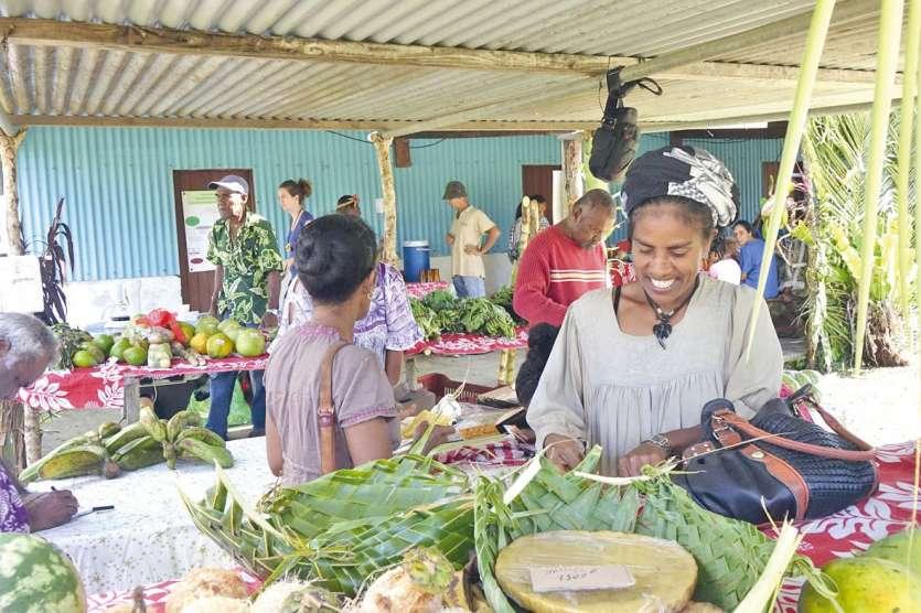 Agriculteurs, consommateurs et visiteurs ont pu profiter d'un marché très fourni en produits et déguster un repas 100 % bio, sans produits importés. « Il y a eu un beau panel de producteurs et de nombreux visiteurs non bio encore. Cette journée a joué son