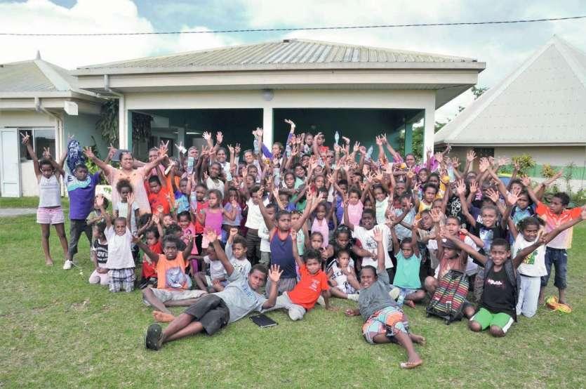Ils étaient près de 120 élèves à courir le cross de leur école mercredi à Atha devant quelques parents et le personnel éducatif. « N'oubliez pas que les champions 2017 sont partis au cross des îles à Lifou ! », a encouragé le directeur.