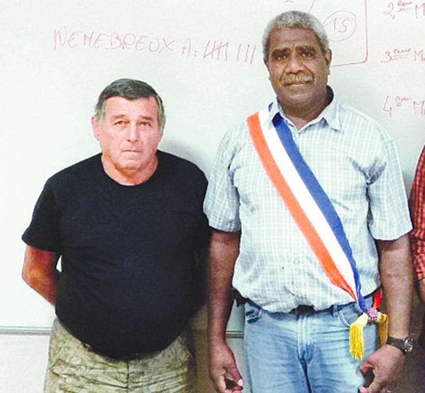 Alexandre Nemebreux (à droite sur la photo) repart, comme lors des élections de 2014, avec André Ride sur sa liste. Photo Archives LNC