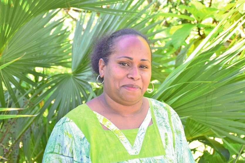 Karmen Holéro est secrétaire de direction au collège de La Foa. Photo F.D.