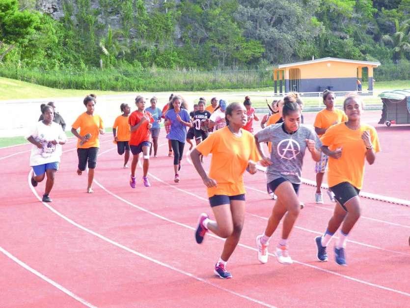 Le parcours du cross s'est terminé sur la piste du complexe sportif de Hnassé.Photos M. G.