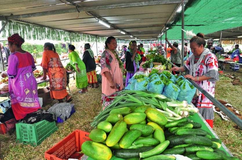 Vendredi matin, à l'ouverture de la fête, les stands du grand marché du Ura regorgeaient de nombreux produits locaux, symboles d'une terre riche et fertile.