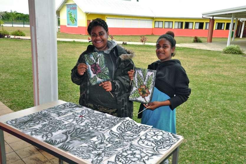 Bérénice (à gauche) et Luna sont les gagnantes du concours. Photo S.M.