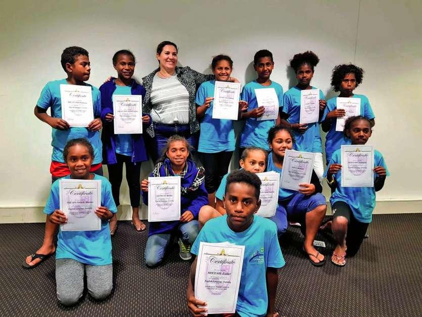 Les élèves de la classe de CM2 de Bondé en compagnie de leur professeure d'anglais. Photo DR