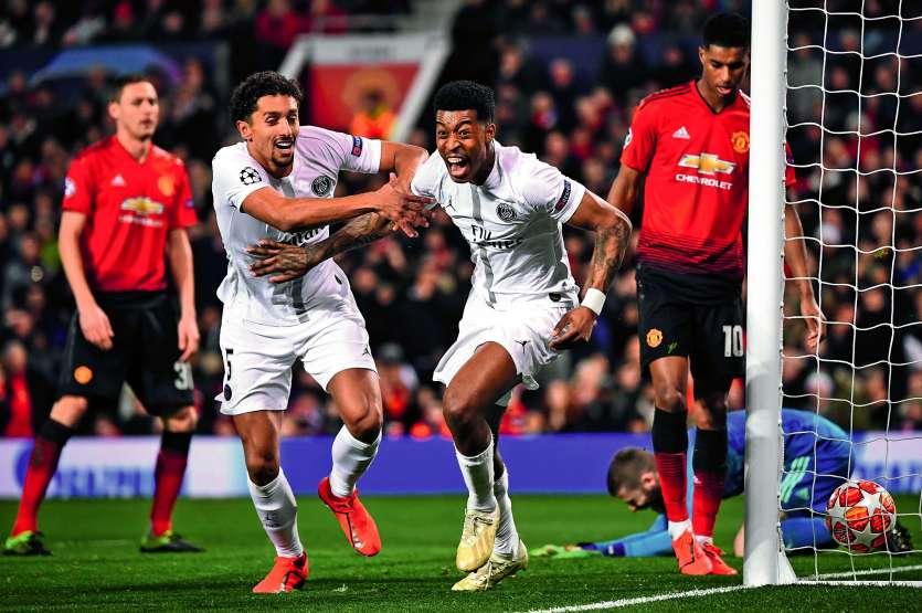 Presnel Kimpembe (à droite) a marqué son premier but en pro à Old Trafford. Photo AFP