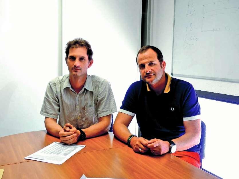 Christophe Delest (à droite) est le président du syndicat des pharmaciens (SPNC), dont Mathieu Noël est le secrétaire (à gauche).Photo Charlie Réné