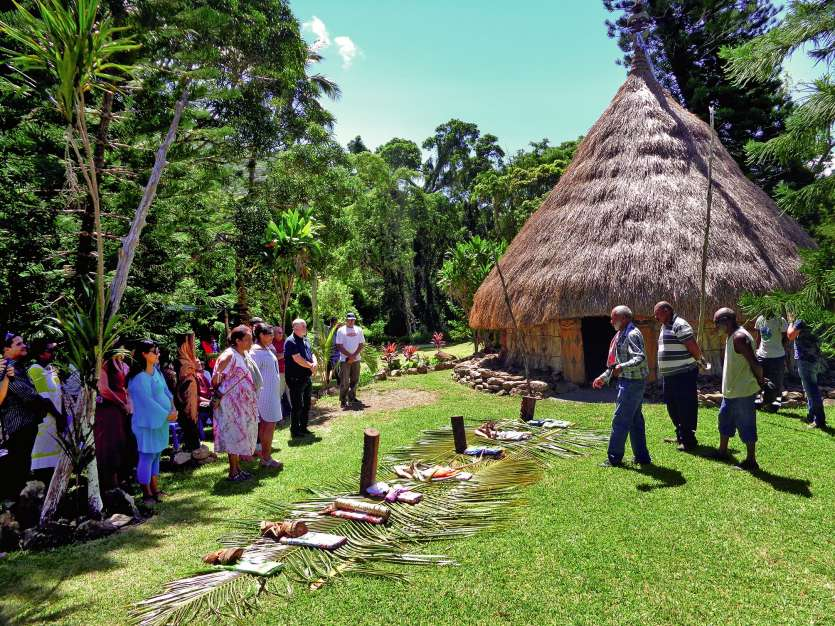 La case commune de Ouatom a été officiellement inaugurée vendredi.Photos E.J.