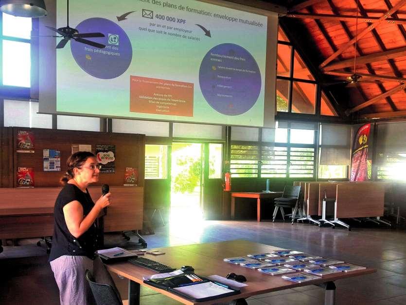 Stéphanie Cano (photo) et Giovanna Sinyeue ont présenté le Fiaf au faré de la province. Photos M.G.