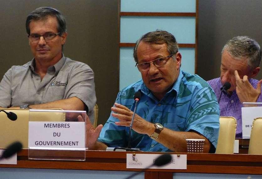 Jean-Louis d'Anglebermes (UC-FLNKS), vice-président du gouvernement, hier matin au Congrès. Photo G.C.