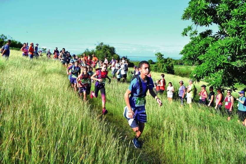 Beaucoup d'enfants ont participé à ce trek Erythrines, dont les bénéfices serviront à financer les actions sociales du club. Bon nombre d'entre eux, âgés de 10 à 15 ans, ont choisi de s'aligner sur le circuit de 3,5 kilomètres, en mode chrono (photo).