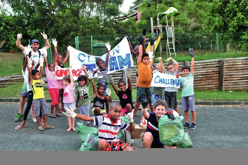 Les participants et les habitants de ces deux quartiers étaient heureux de cette action. Photo K.B.