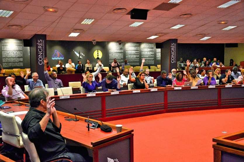 Les nouveaux élus du Congrès ont voté à l'unanimité pour le maintien de l'exécutif à onze membres. Photo : Th. Perron