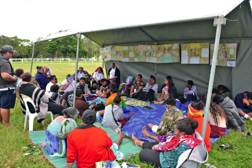Depuis lundi, 300 jeunes, au lieu de 500 habituellement, ont pris leurs quartiers sur l'hippodrome de Téné.Photos N.B.