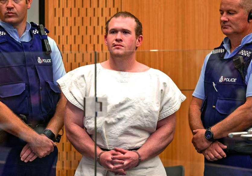 La justice a interdit aux médias de prendre des photos ou des vidéos de l'apparition de Tarrant sur la transmission audiovisuelle diffusée, hier, pendant l'audience. Elle a en revanche autorisé l'utilisation d'images prises lors d'une audience précédente