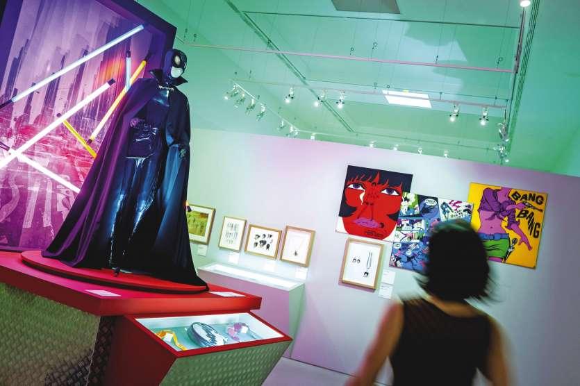 L'exposition dévoile des trésors insoupçonnés nés du mariage entre la BD et la mode.Photo Yohan Bonnet/AFP