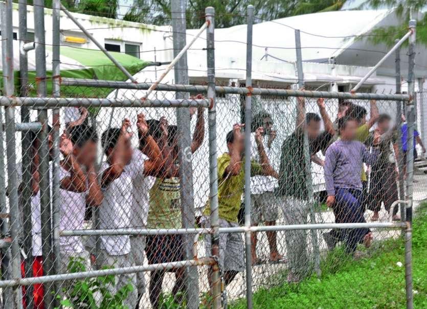 Des centaines de réfugiés et demandeurs d\'asile sont retenus dans des camps de transit sur des îles du Pacifique, à Manus (Papouasie-Nouvelle-Guinée) et Nauru, après avoir tenté  de gagner par la mer l\'Australie.Photo Eoin Blackwel/AFP