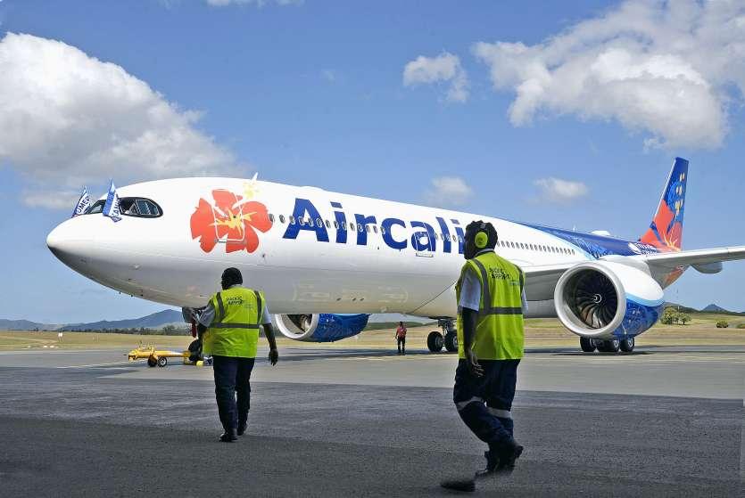Une équipe d'Airbus est venue pour un examen approfondi de l'appareil et de ses moteurs.Photo Thierry Perron