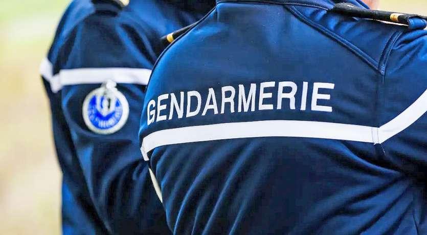 Les secours et les gendarmes sont rapidement intervenus pour venir en aide aux deux blessés.  Photo archives LNC