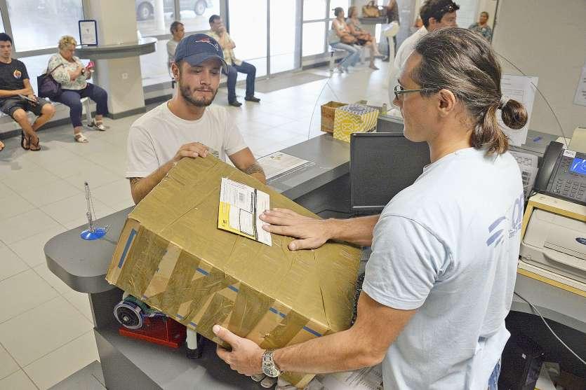 Selon l'OPT, il n'y a aucune raison que les colis et les paquets soient bloqués en Nouvelle-Calédonie au niveau de ses services. Photo archives LNC
