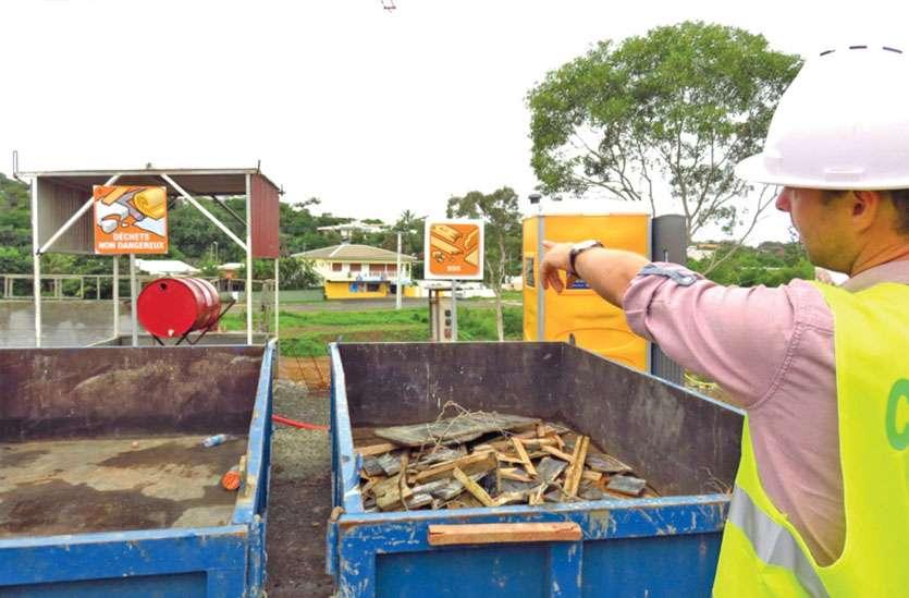La réglementation générale impose de collecter tous les déchets produits. La charte chantier vert, de les trier. Photo C.G.