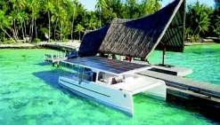 Un catamaran solaire pour une balade sur le lagon de Bora Bora