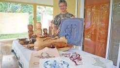 L'art du tifaifai dans les mains d'un Marquisien