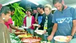 Kunié Espoir en cuisine pour le raid