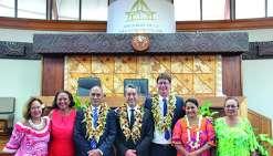 Santa, entre visites officielles et vacances en famille en Polynésie