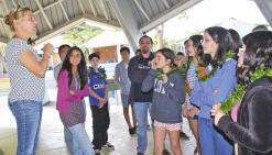 Des élèves chiliens découvrent  les traditions en Brousse