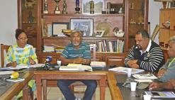 André Forest (au centre), président de l'USTKE, se félicite qu'un colloque sur le rééquilibrage soit organisé le 19 août à l'UNC.