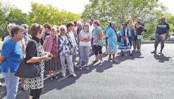 Les seniors bouraillais  se baladent en province Nord